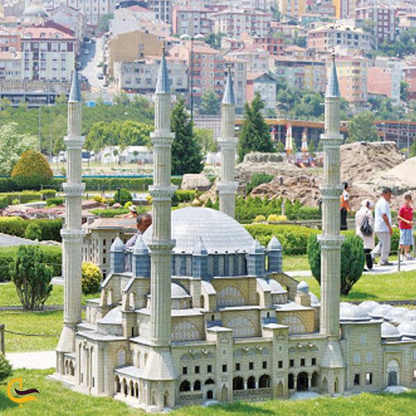 تصویری از پارک مینیاتورک