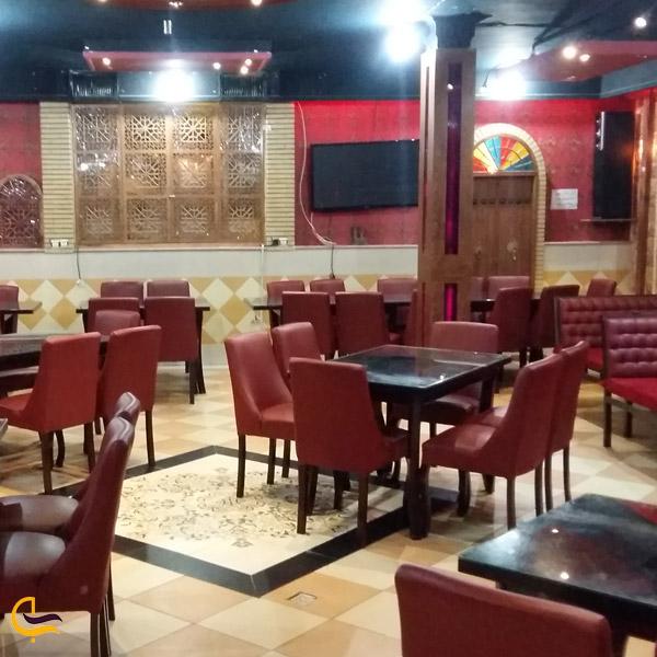 نمایی از رستوران پارسیان