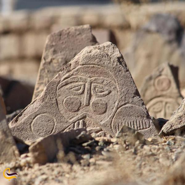 تصویری از قرستان تاریخی ابیانه