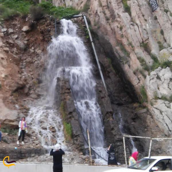 نمایی از آبشار قلعه دختر