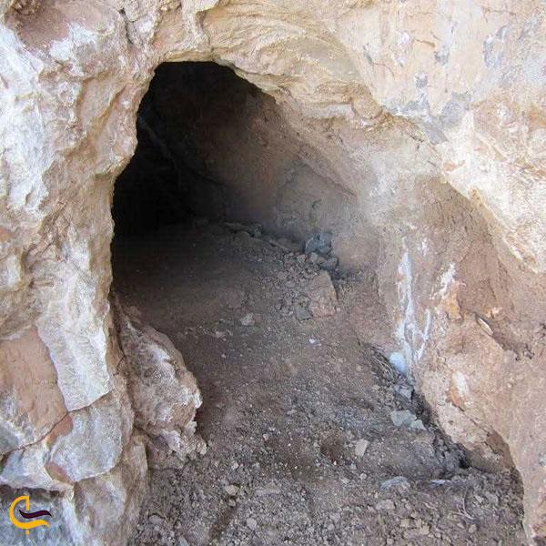 عکس غار روستای ری زمین