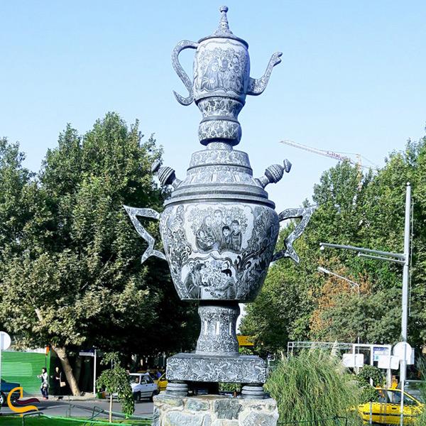 تصویری از مجسمههای کوهسنگی مشهد