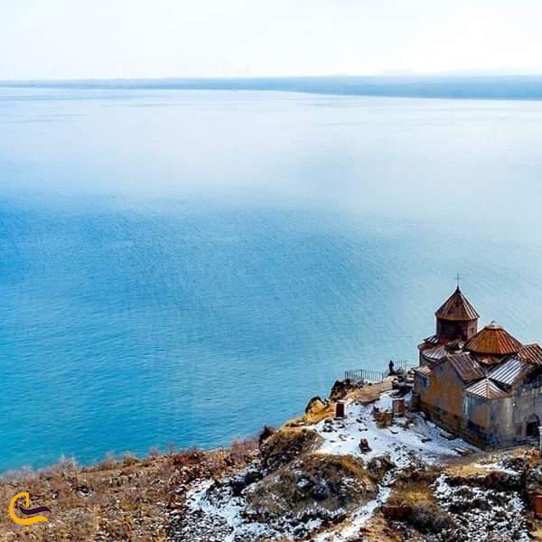 تصویری از دریاچه سون