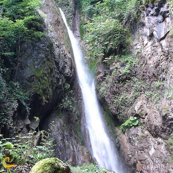 عکس آبشارهای سرخه کمر