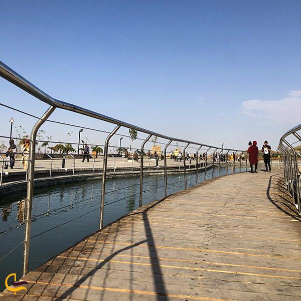 عکس پلها و نرده های فلزی مجموعه تفریحی کوهشار