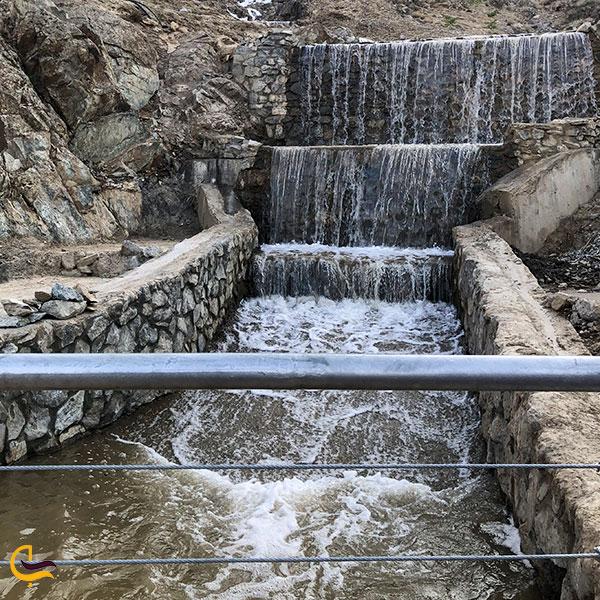 عکس آبراهه پلکانی مجموعه تفریحی کوهشار مشهد