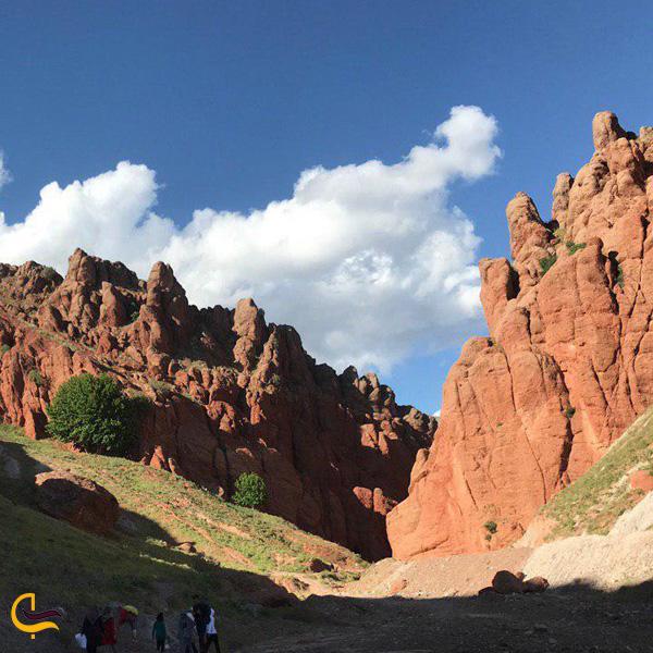 نمایی از دره هفت غار