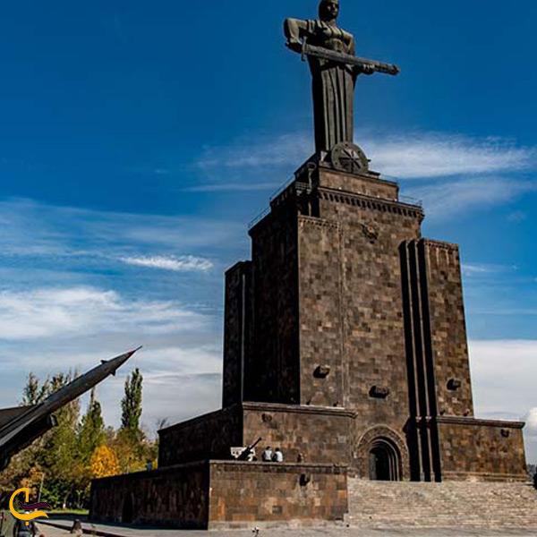 تصویری از پارک و بنای یادبود پیروزی