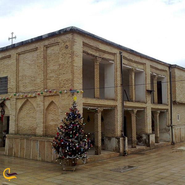 نمایی از بیرون کلیسا ارامنه شیراز