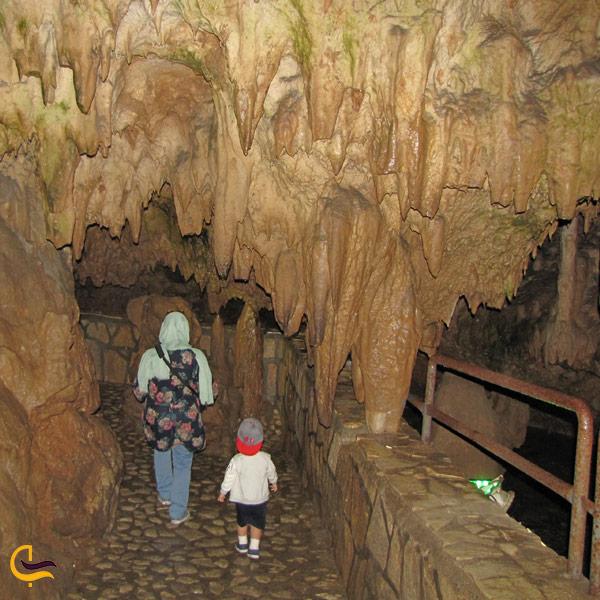 تصویری از غار قوری قلعه