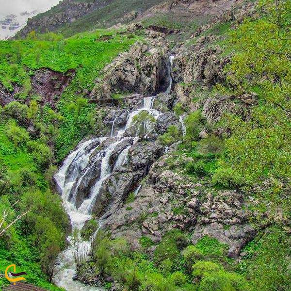 تصویری از آبشار ایج مازندران