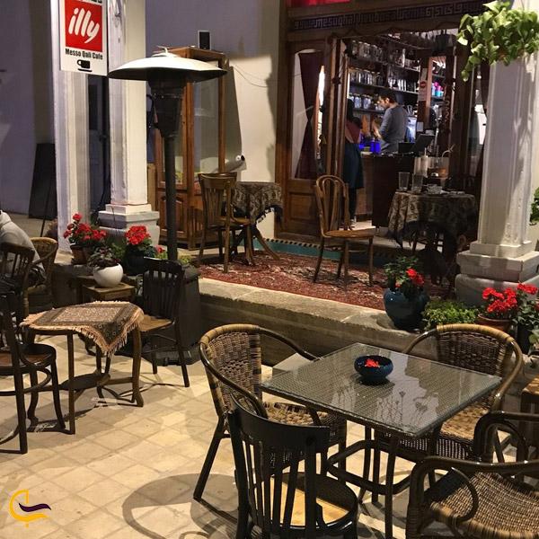 تصویری از کافه رستوران مس و قالی
