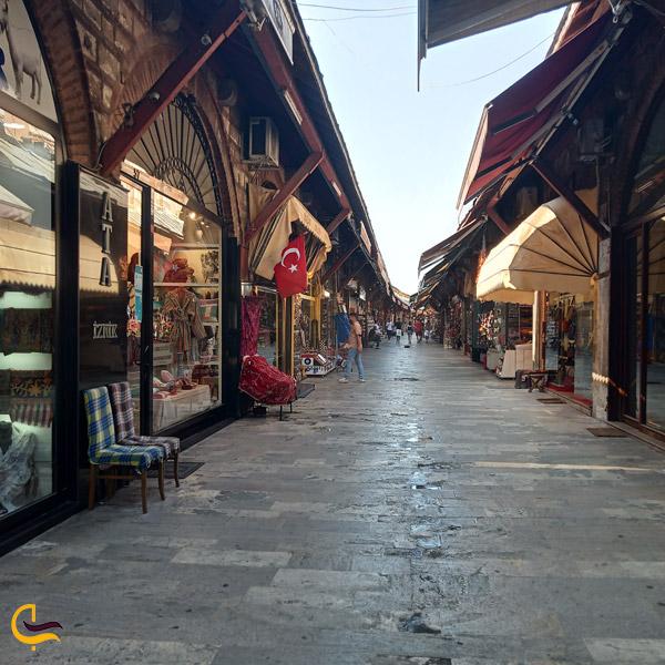 تصویری از بازار آراستا
