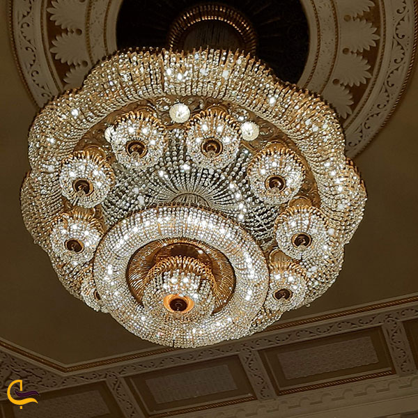 عکس چلچراغهای زیبا درخانه اپرا ایروان