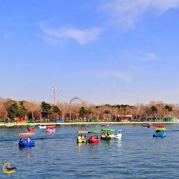عکس قایق سواری پارک ارم تهران