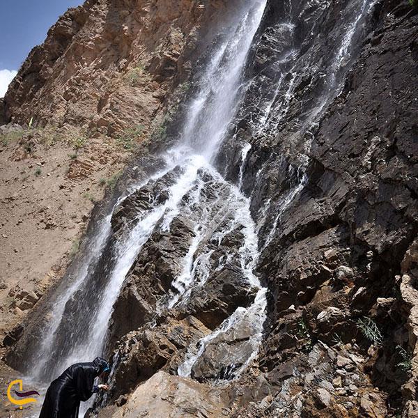 عکس آبشار خروشان درورد