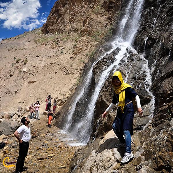 عکس تماشای آبشار درورد
