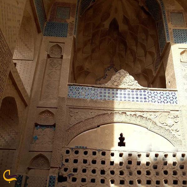 عکس کبوترخانههای شهر در فلاورجان