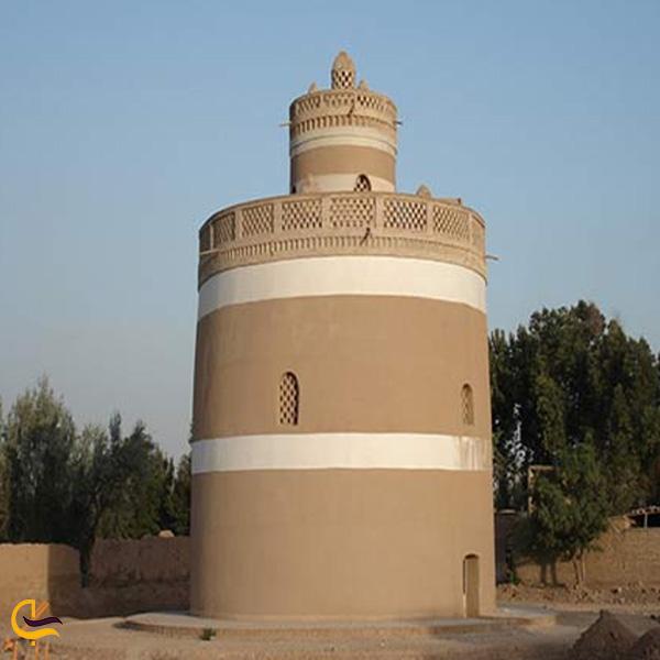 تصویری از برج های کبوتر لارگان