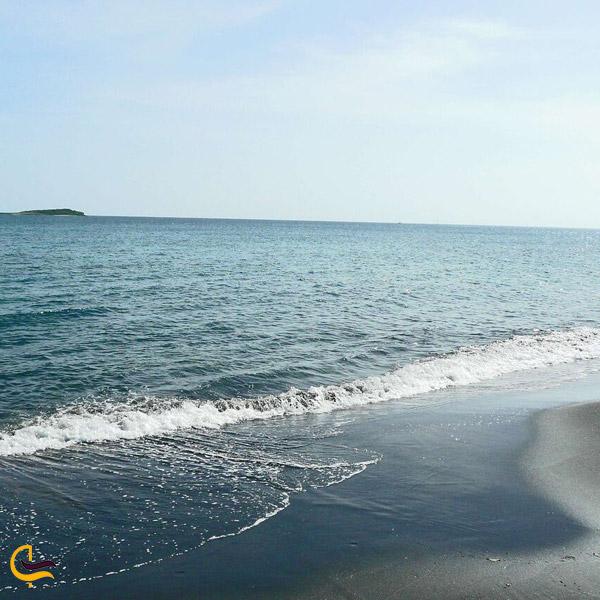 تصویری از ساحل دریای خزر