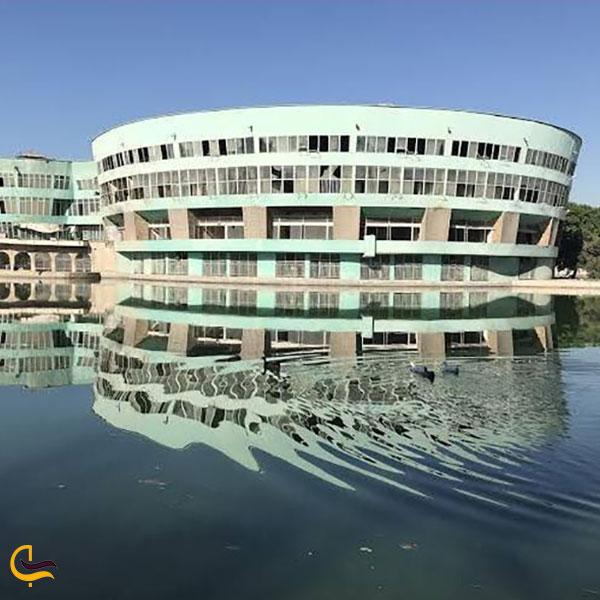 عکس دریاچه پارک ارم تهران