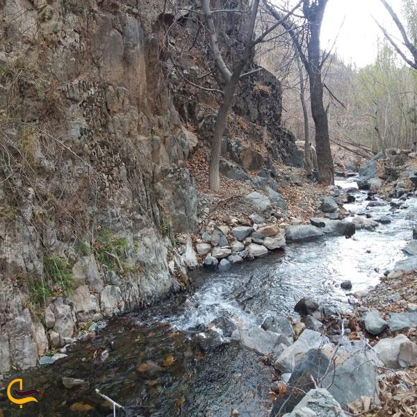 تصویری از رودخانه در روستای دررود