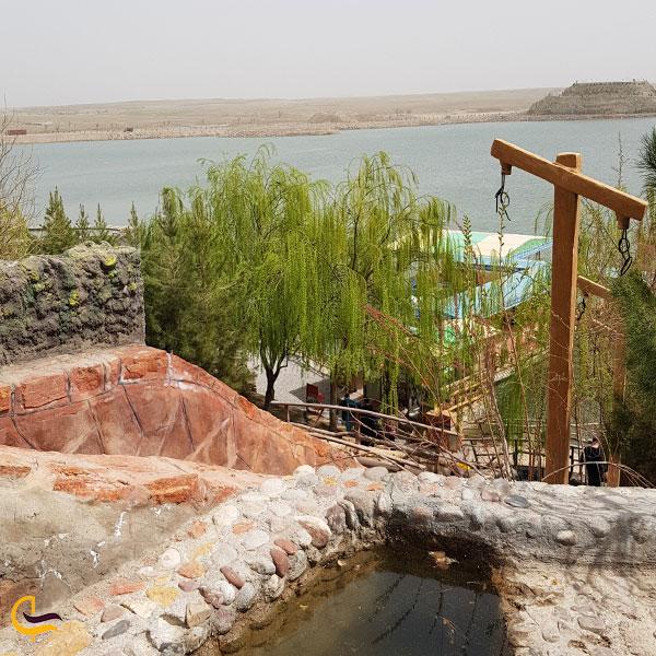 تصویری از سد امند