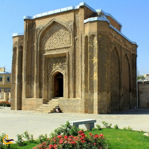 عکس گنبد علویان در همدان