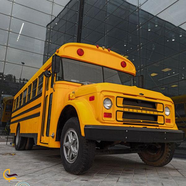 عکس اتوبوس مدرسه آمریکایی در باغ غذای تهران