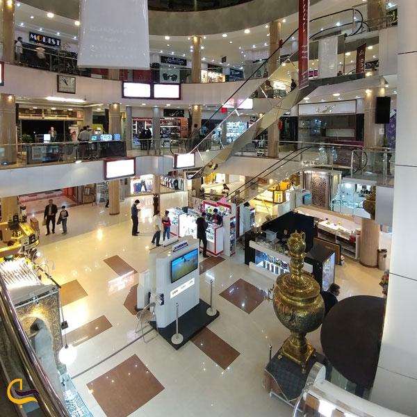 نمایی از مرکز خرید آریا یزد