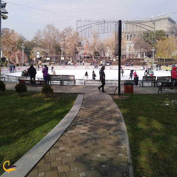 عکس پاتیناژ میدان آزادی