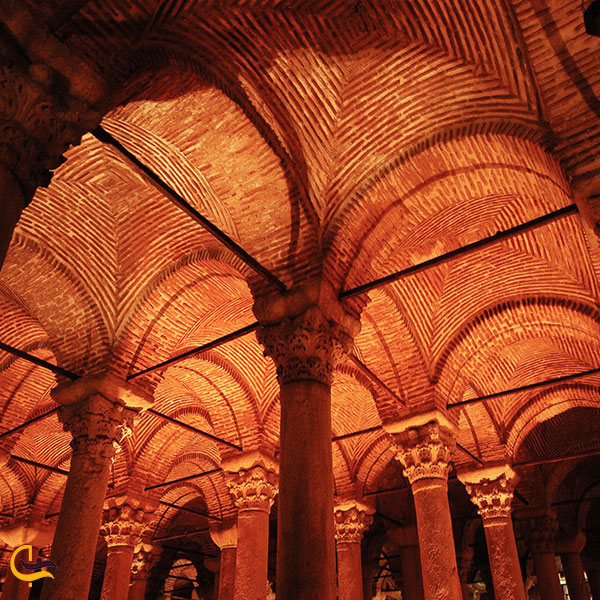 عکس معماری زیبا باسیلیکا سیسترن
