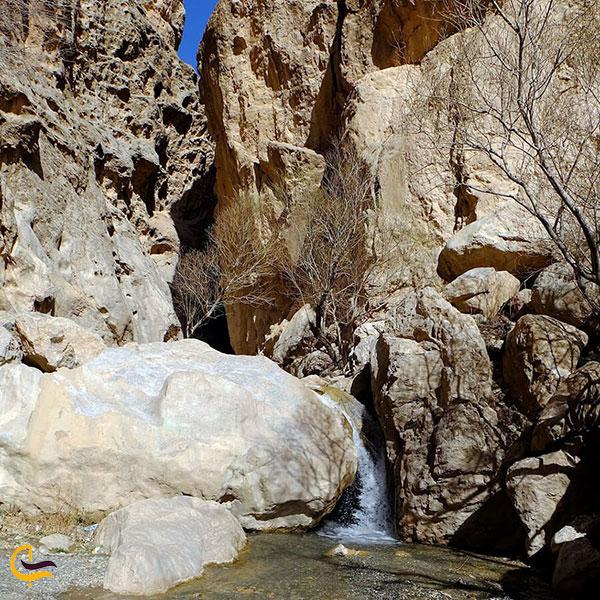 عکس ابشار زیبای رود معجن