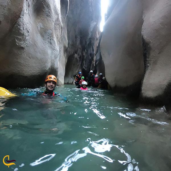 عکس آب تنی در دره ویژدرون ایلام