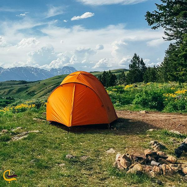 عکس کمپ زدن در طبیعت روستای برگ جهان