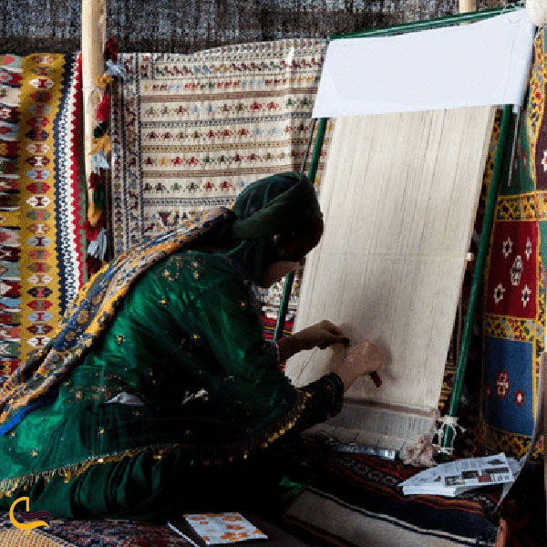 عکس بافت قالیچه در شهر بابک