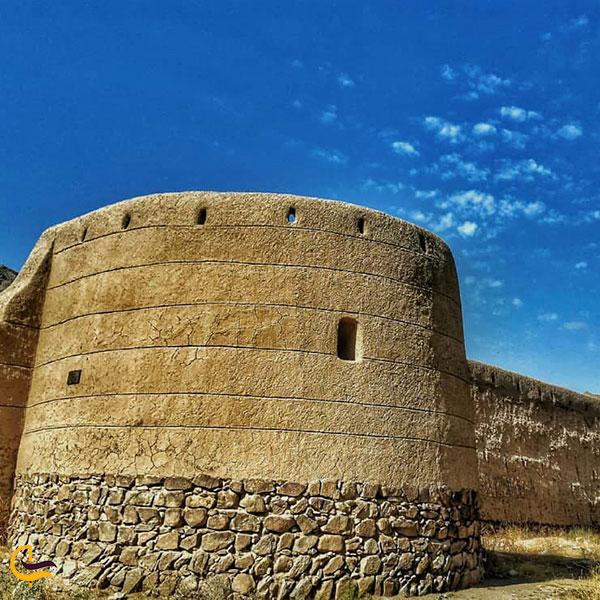 عکس قلعه عباس میرزای کردشت