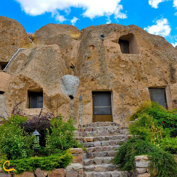 تصویری از هتل صخرهای لاله کندوان