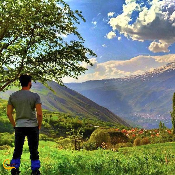 عکس پیاده روی طبیعتگردی لاریجان
