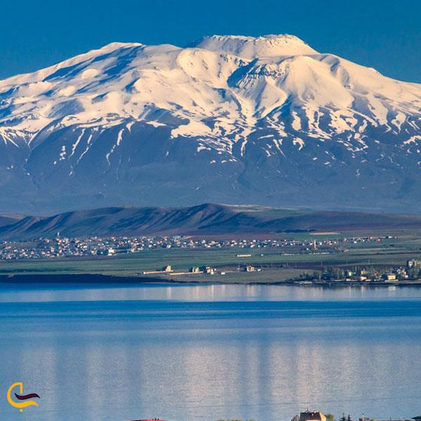تصویری از کوه سبحان