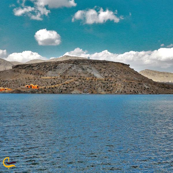 تصویری از کوههای پردیسان دهکده سبز امند