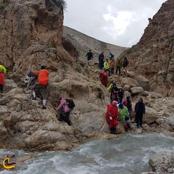 تصویری از امکانات گردشگری آبشار اسفجیر