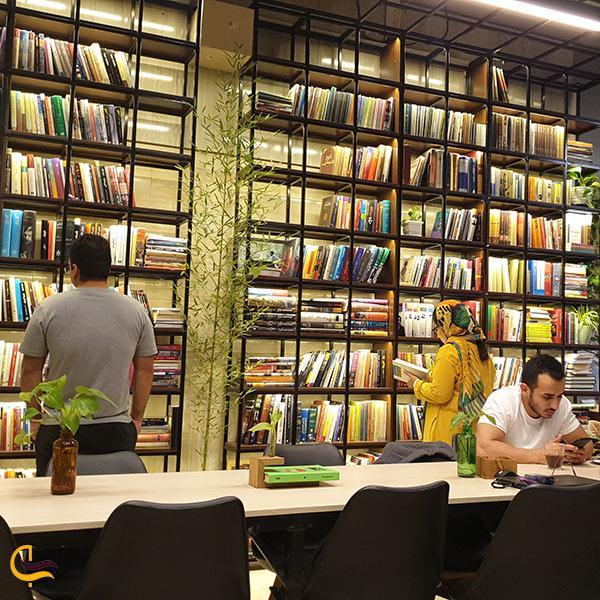 عکس کافه کتاب ریرا مشهد