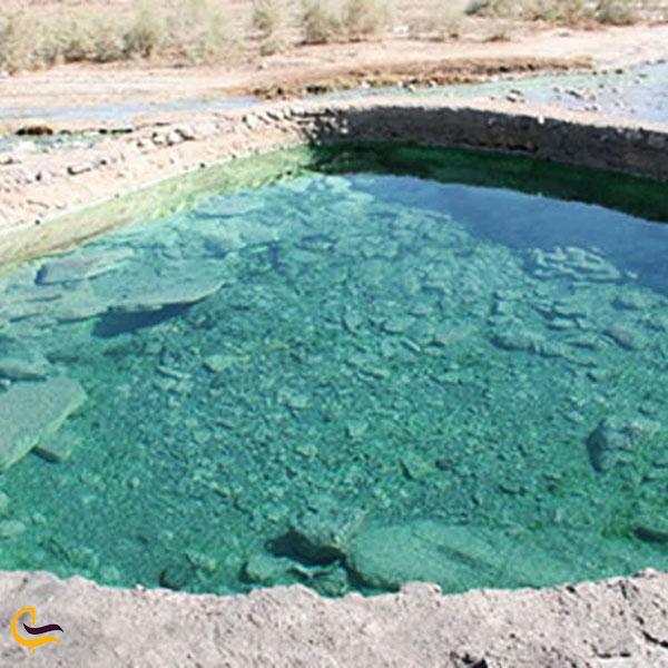 عکس چشمه آب معدنی استراباکو لاریجان