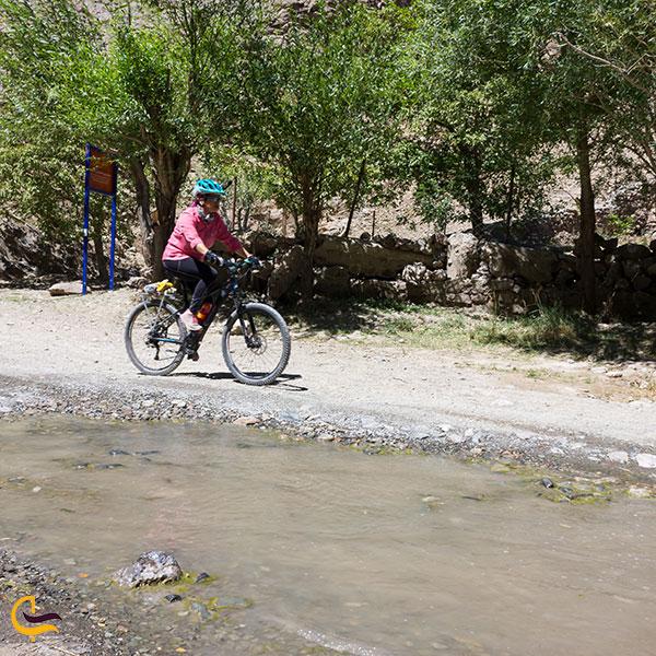 عکس مسیر رسیدن به ابشار رود معجن
