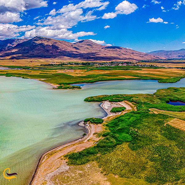 تصویری از دریاچه وان ترکیه