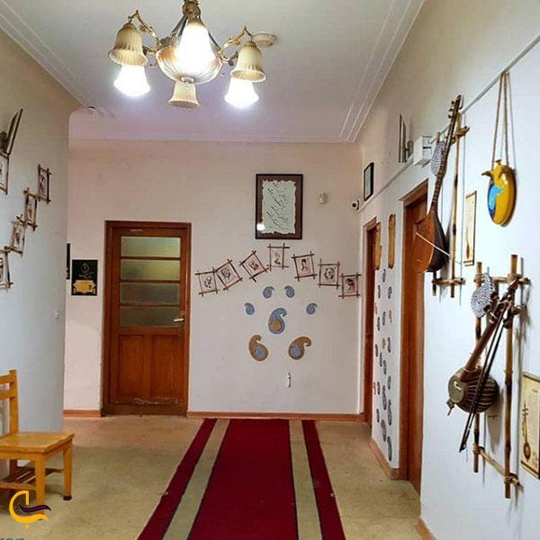 عکس آثار نگهداری شده در خانه موزه دکتر معین