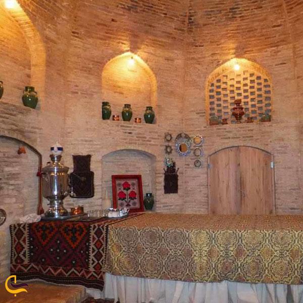عکس از اتاق های هتل کاروانسرای زین الدین یزد