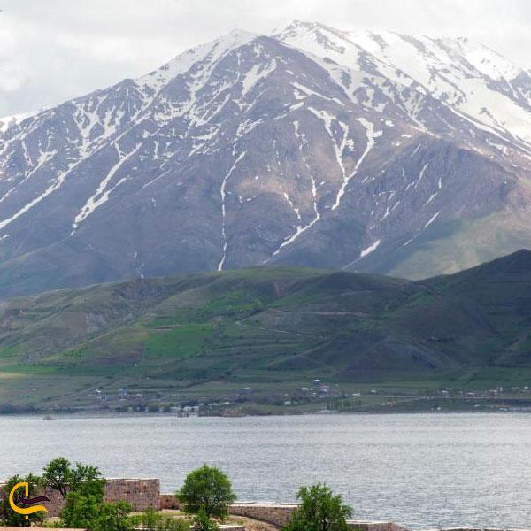 تصویری از کوههای اختیار شهاب