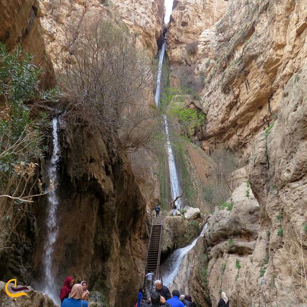 تصویری از آبشار اسفجیر فاروج